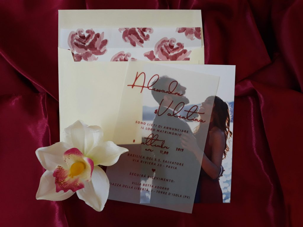 Partecipazioni matrimonio fiori con vellum e busta fodarata