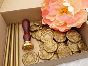 sigilli ceralacca partecipazione fatti a mano oro personalizzati