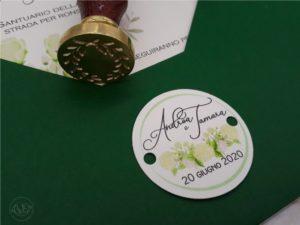 busta-verde-matrimonio-nozze-invito-con-fiori-ceralacca