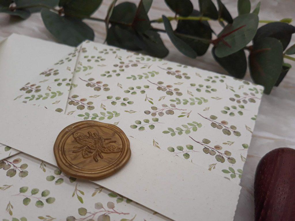 Cofanetto pocketfold con ceralacca stampa foglie eucalito e alloro