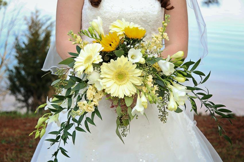 Bouquet Matrimonio colori 2021 - Pantone illuminating