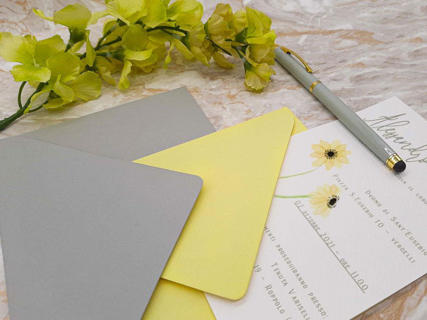 Partecipazione-colori-Pantone--Ultimate-Gray-e-Illuminating---Le-Cartasie