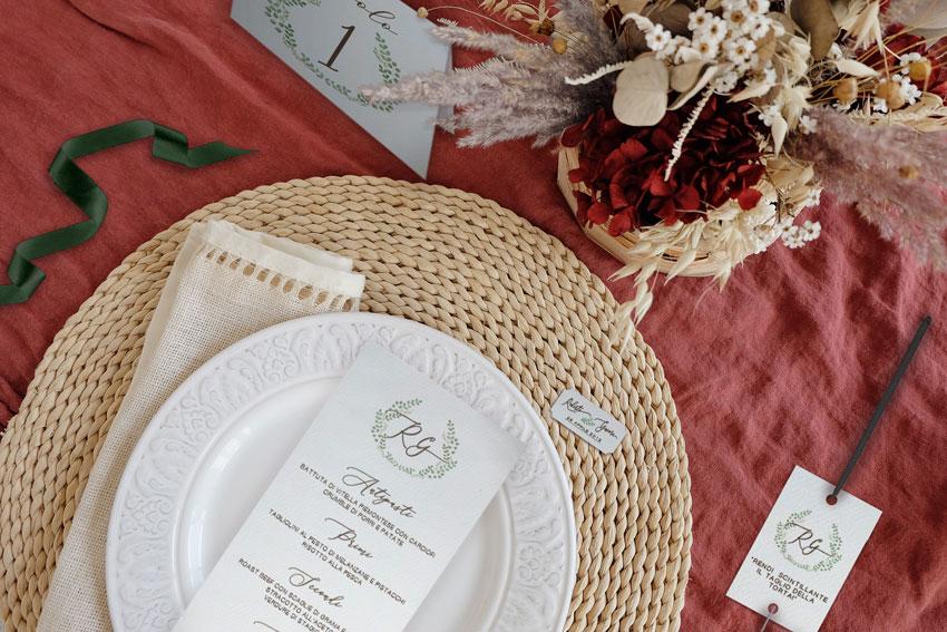 Wedding-Suite-coordinato-di-matrimonio-Menu-personalizzato-mattone-e-verde-Tema-botanico-lecartasie