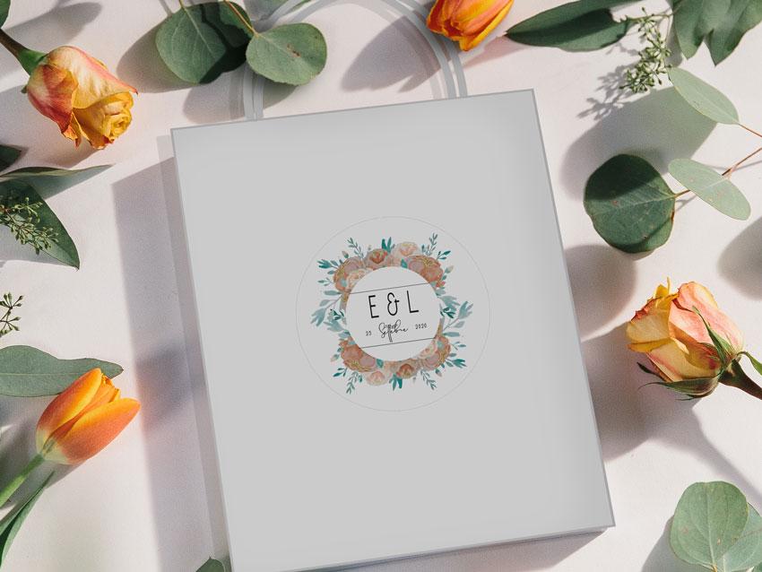 -wedding-bag-in-mezzo-a-fiori-arancioni