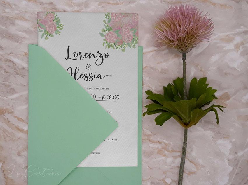Partecipazione-con-rose-peonie-verde-chiaro-Le-Cartasie