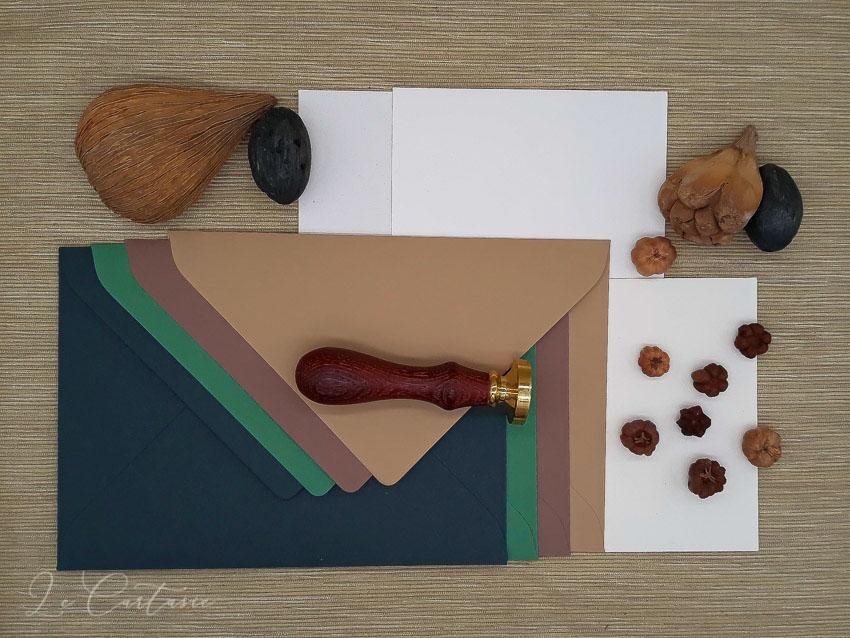 carte e buste colorate per partecipazioni - Le Cartasie
